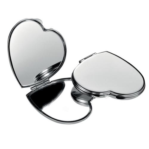 Doppelter Spiegel in Herzform