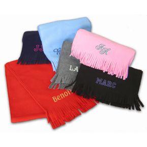 Schal mit individueller Bestickung
