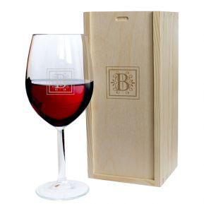 Graviertes Weinglas mit Initialen