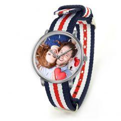 Personalisierte Armbanduhr mit gestreiftem NATO-Strap