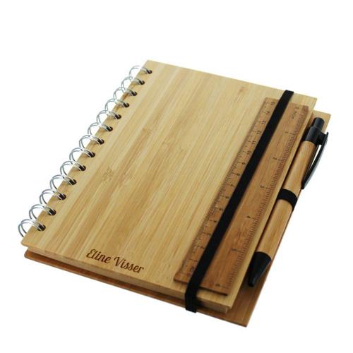 Notizbuch aus Bambus mit Gravur