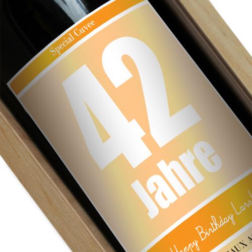 Personalisierte Weinflasche zum Geburtstag gelb