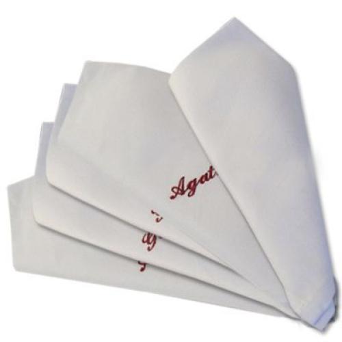 Tischservietten mit Stickerei