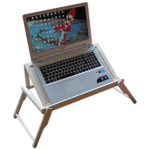 Tablett mit Gravur für Computer