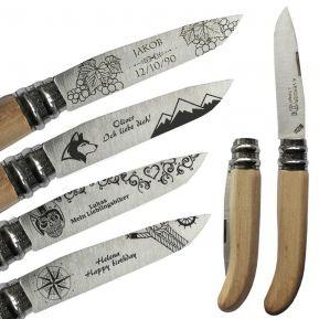 Personalisiertes Taschenmesser aus Buchenholz mit Motivgravur