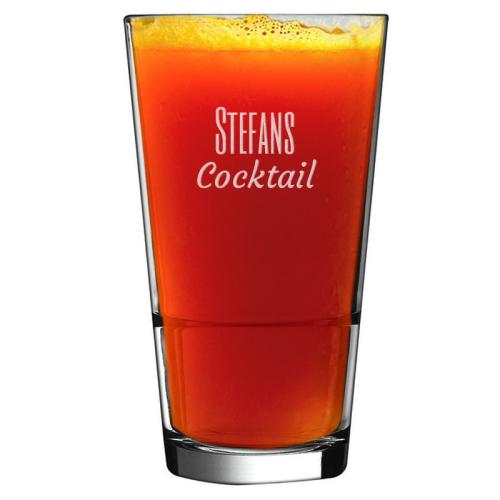 Gravierter Cocktailglas mit Namen