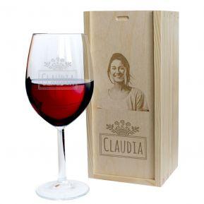Rotweinglas Vorname mit passender Foto-Holzkiste